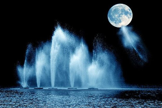 Η Γη «πότισε» νερό τη Σελήνη